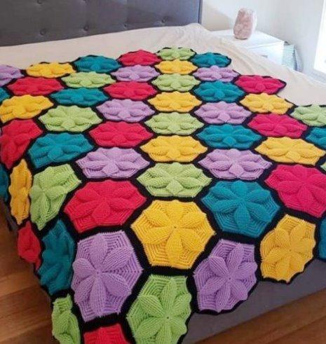 nazarca-3D-Flower-Hexagon-Blanket