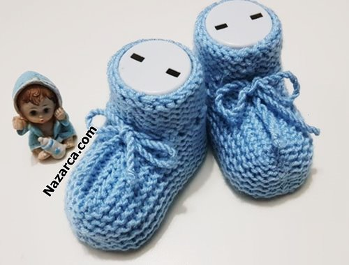 mavi-poncik-ayaklar-yeni-dogan-bebek-patik