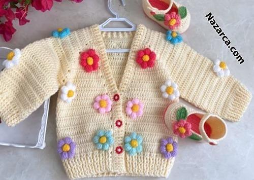 Gehäkelte -Baby-Strickjacke- mit- Blumenmuster